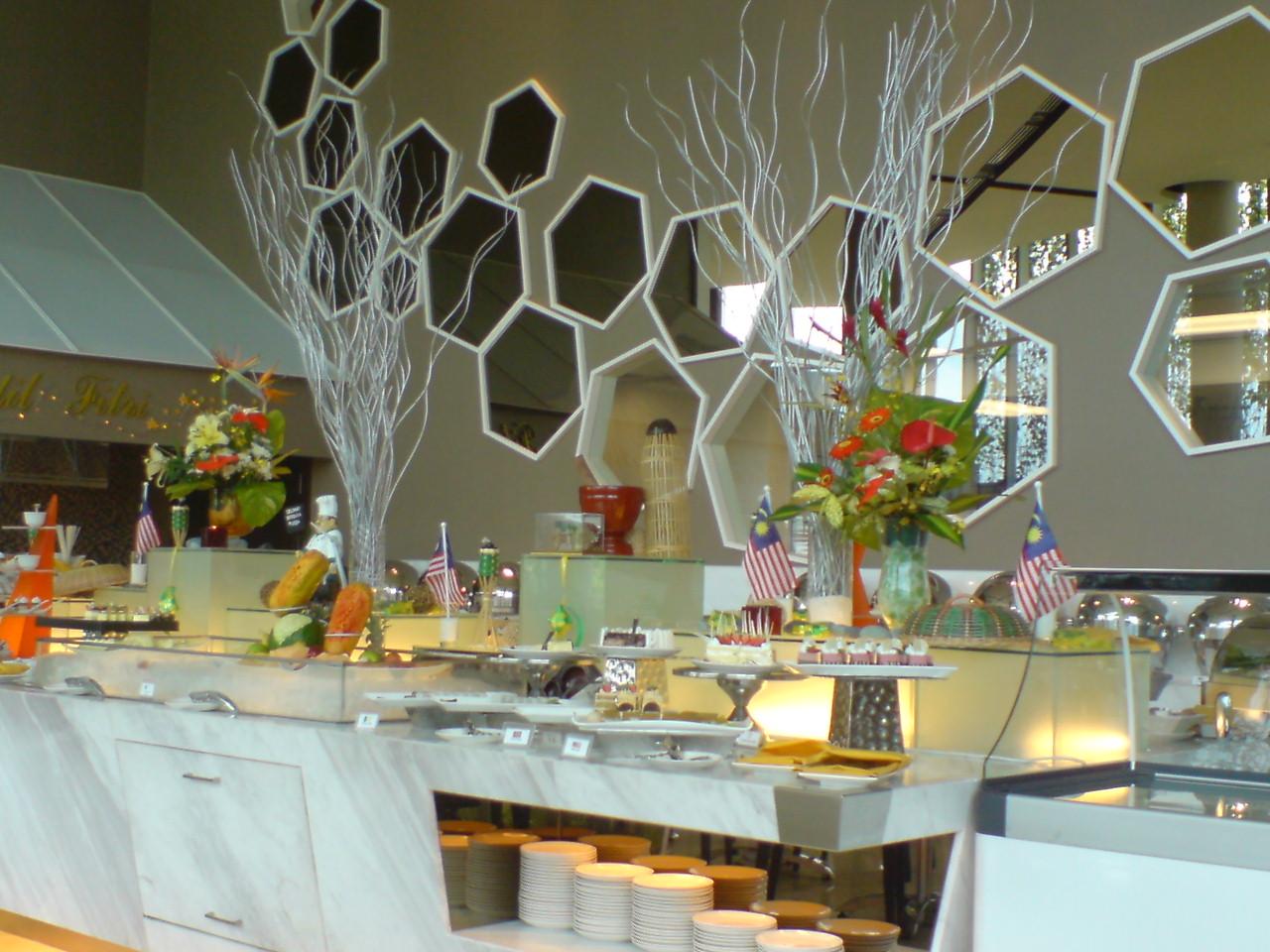 Restaurants Near Sparkling Hill Resort
