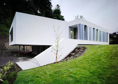 Concrete White House Modern Design by ODOS Architects