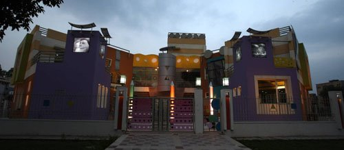 Outside view Architecture of Adharshila Vatika Childrens' Centre in New Delhi, India