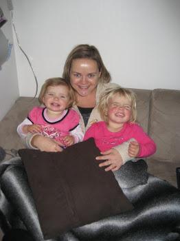 Mor og jentene