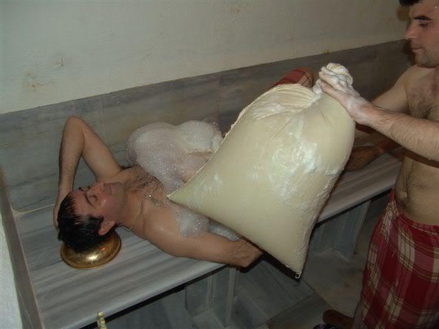 Baño Turco Para Casa:Tras el masaje vuelves a la piedra de mármol a seguir sudando otro