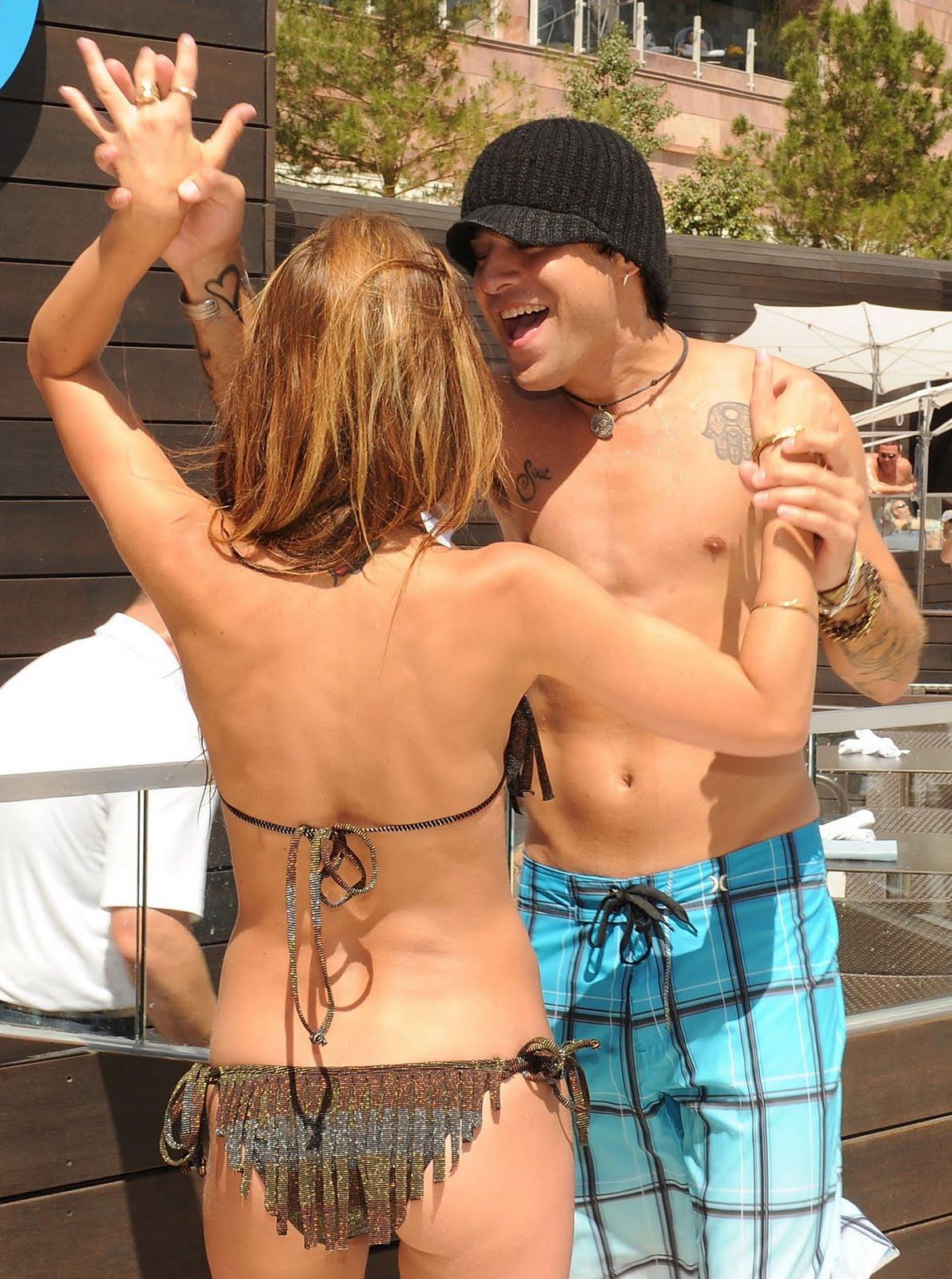 http://1.bp.blogspot.com/_6GMRaBWH_dg/S-ts5Q2CjQI/AAAAAAAAAGk/aQIu7ne55yY/s1600/audrina-patridge-bikini-1-15.jpg