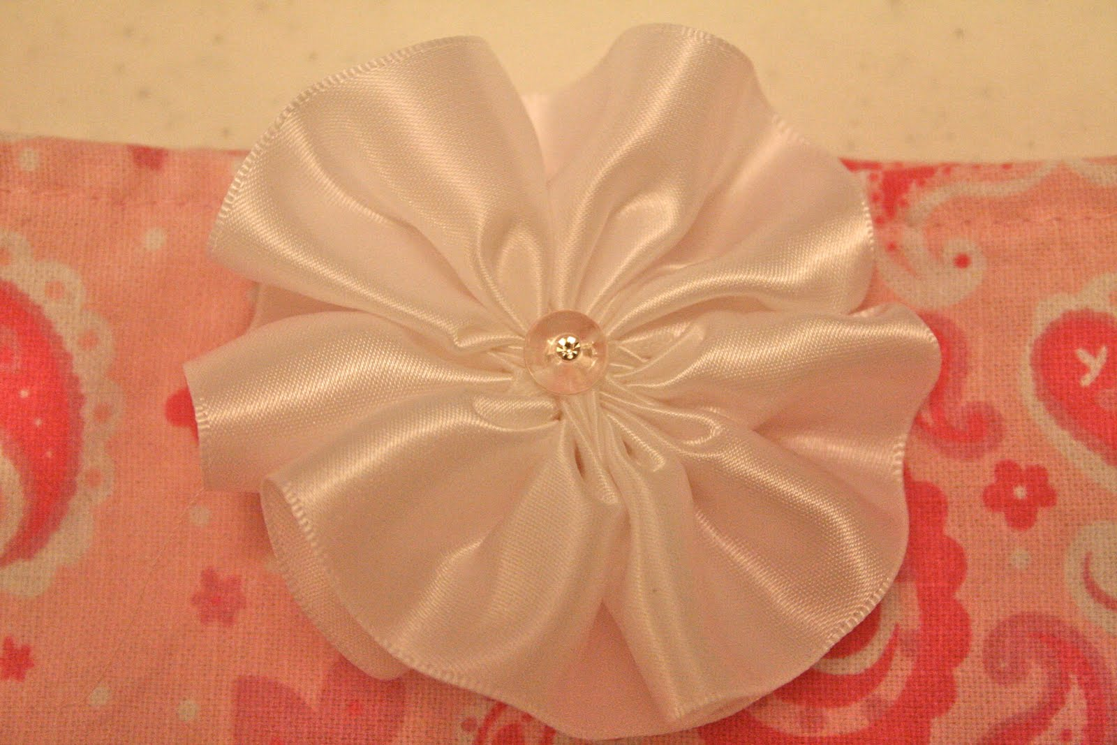 how to make flowers out of ribbon easy