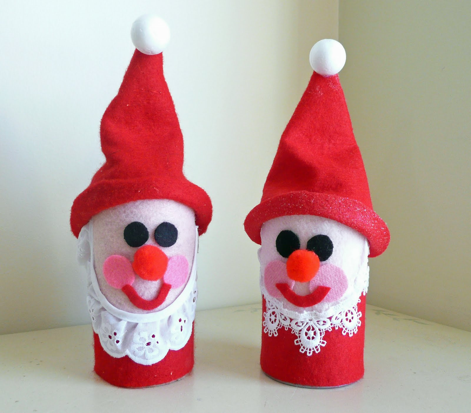 Preschool crafts for kids toilet roll santa christmas craft for Christmas crafts for pre schoolers