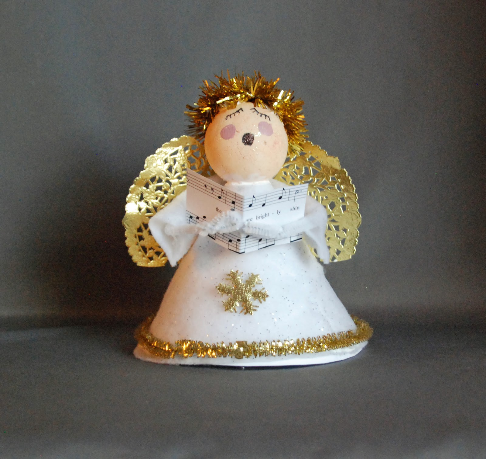 Homemade Christmas Decorations For Preschoolers : That artist woman easy angel carolers