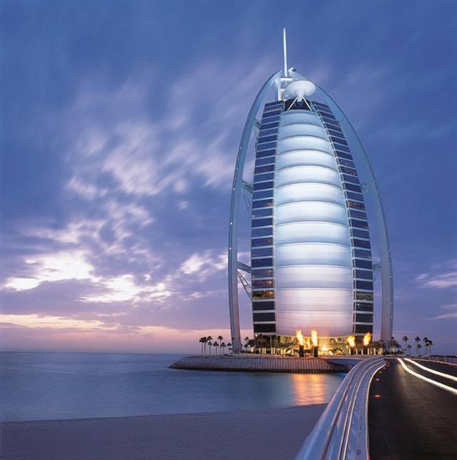 Unique places burj al arab dubai for Unusual hotels in dubai