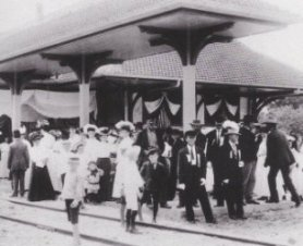 1907 Celebration at the Station