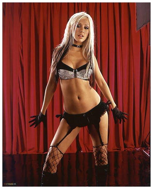 Christina+Aguilera+Maxim+2002+Outtakes-0