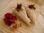 BOMBONIERE CUORI LOVE LETTERS AND ROSES