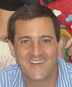 Profº Dr. Eduardo Martins – responsável pelas seleções de histórias.