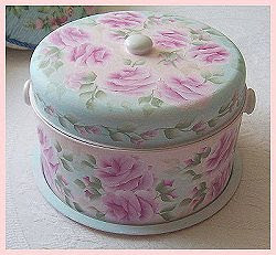 Vintage Cake & Pie Carrier