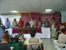 Nuestras invitadas (os) oran por la paz, la armonía y la salud de nuestras socias y colaboradores
