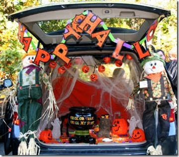 The Heck Do I Know?: Trunk or treat??