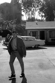 Norman Bates pa vag mot oss med kniven (inte vart eget foto, det kommer senare)