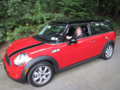 red mini clubman