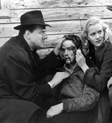 cinematic techniques in on the waterfront Should film critics care about cinematic technique two demands for cinematic formalism in the space of one fortnight director, writer and star, all intent on an act of simultaneous autobiography it's true of on the waterfront, and the graduate and the 400 blows.