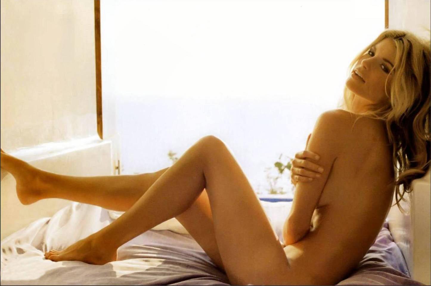 Marisa Miller Topless Y Con Descuidos En Gq