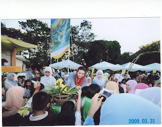 Manohara Delia Pinot Sepulang Umrah