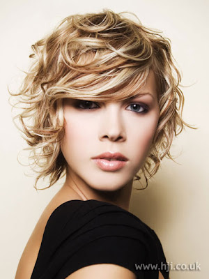 short haircuts for curly hair women. Short hair styles for short to