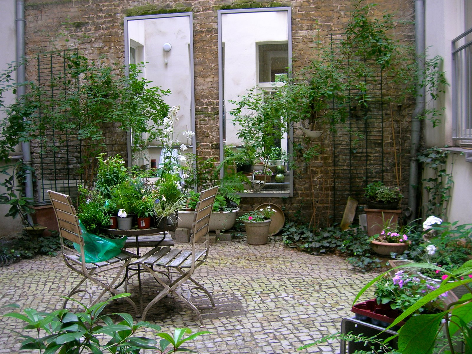 berliner hinterh fe gipsstra e 4 berlin mitte. Black Bedroom Furniture Sets. Home Design Ideas