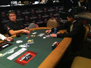 Chris Moneymaker and Bryan Pellegrino, each thinking it is the other's turn to act