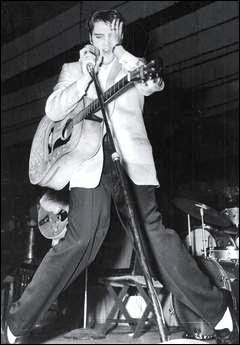 Elvis does two concerts at Toledo Arena on Thanksgiving 1956