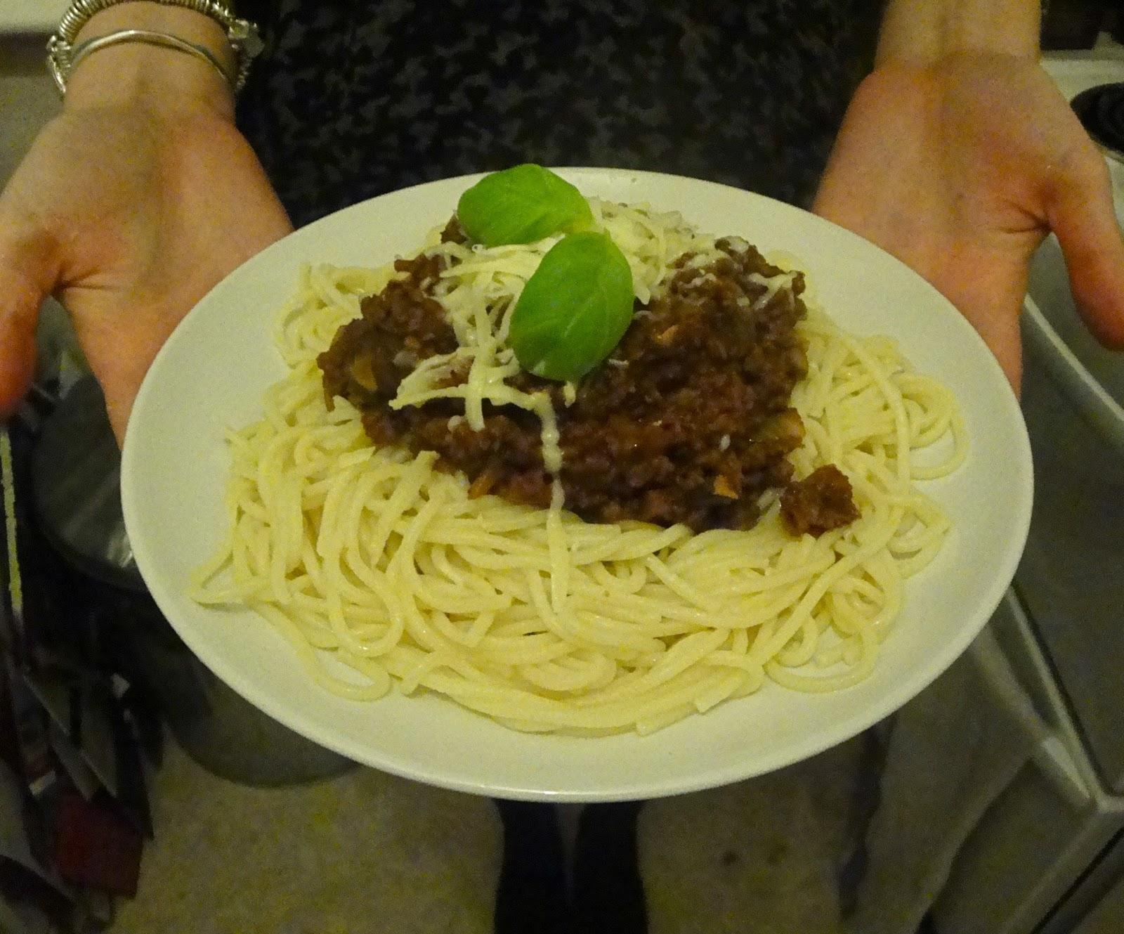 how to make vegetarian spaghetti bolognese