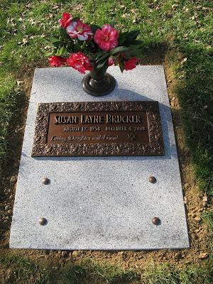 memorial artist