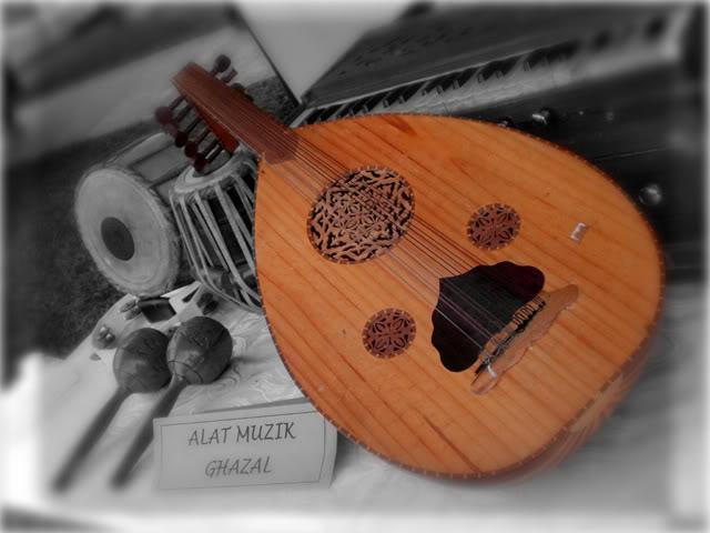 Tabla yang juga merupakan alat muzik yang berasal dari india yang