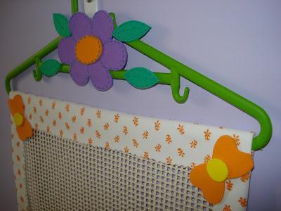 Marinez fazendo art 39 s um porta brincos muito pr tico for Bordas para mural