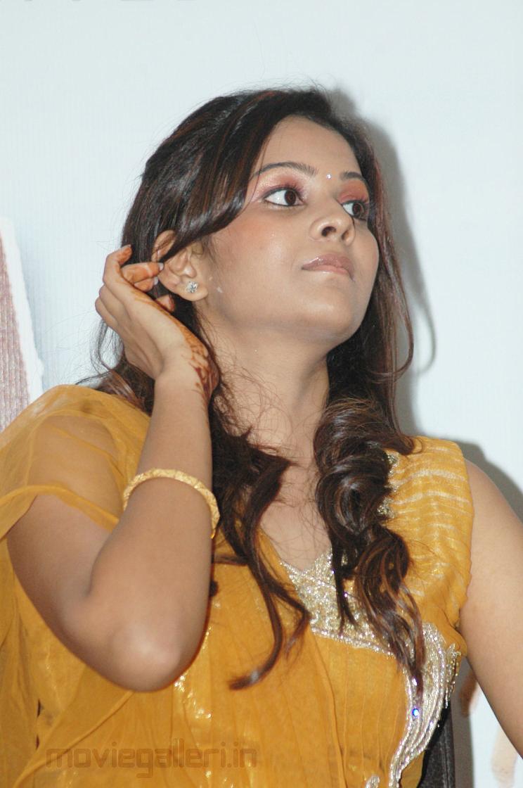 Tamil Actress Chandni Cute Stills, Chandni Photo Gallery