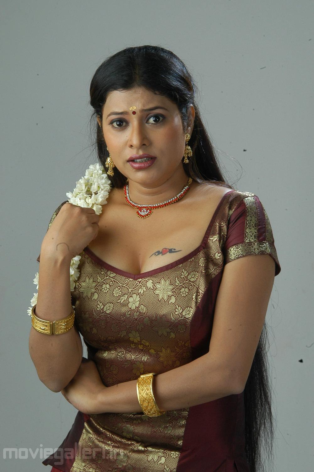 comedy actress shobana