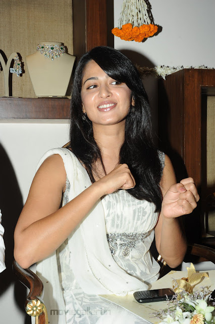 Cute Anushka Shetty