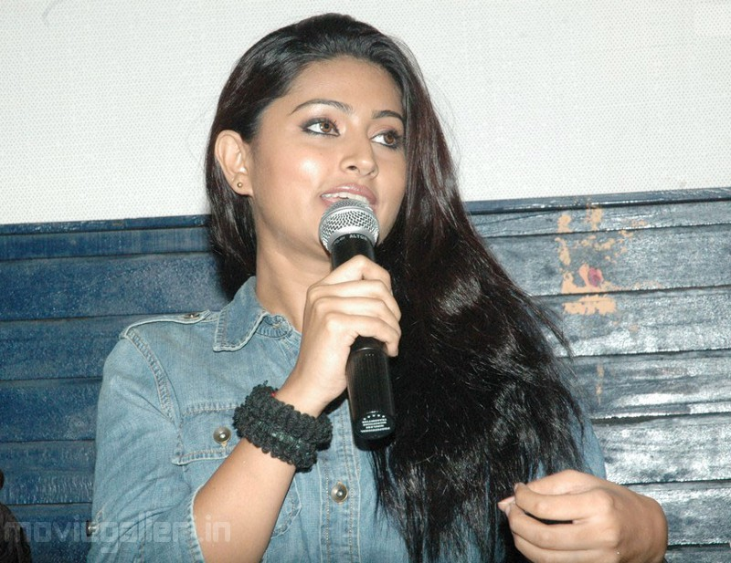 Sneha at Bhavani Press Meet Stills - Famous Celeb Press Meeting Gallery - Famous Celebrity Picture