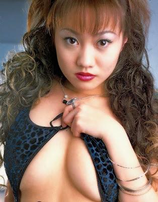 Kaori Shimizu: A Hot Japanese Girl