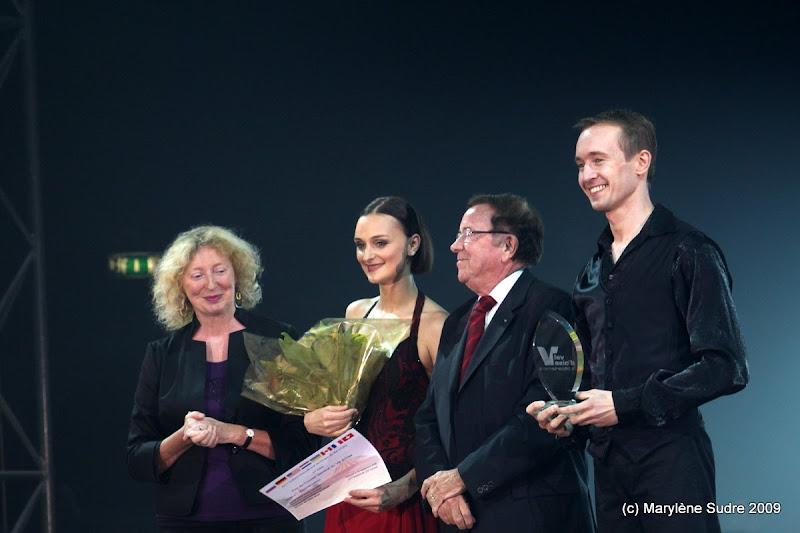 burguscircus juggling tango 1e prix du festival du val d 39 oise. Black Bedroom Furniture Sets. Home Design Ideas