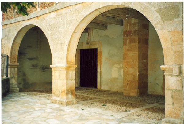 Soportal de entrada de la Iglesia