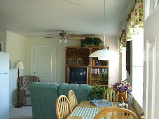 Sequim  Vacation Rental, Dining and Living Room