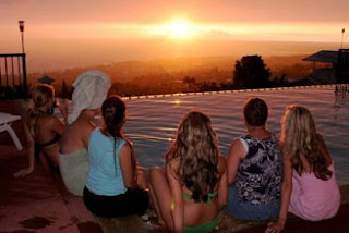 Visitors at Kona Ocean View are waiting for the Green Flash at sunset