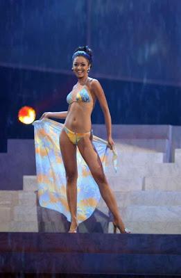 tanushree dutta in bikini