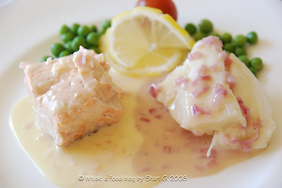Poisson au beurre blanc et rouge (Poached Fish with White and Red Butter Sauce)