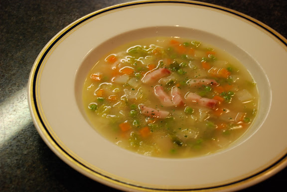 Potage cultivateur (Cut vegetable soup)