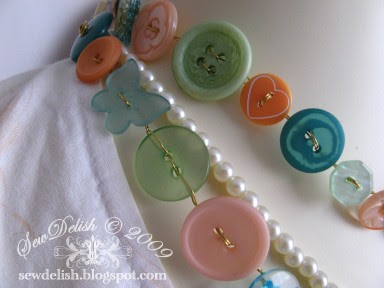 Make Buttons Jewelery Shabby Chic Button Wire Necklace Bracelet Belt Jewellery