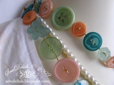 Make Buttons Jewelery Shabby Chic Button Wire Necklace Bracelet Belt Jewellery