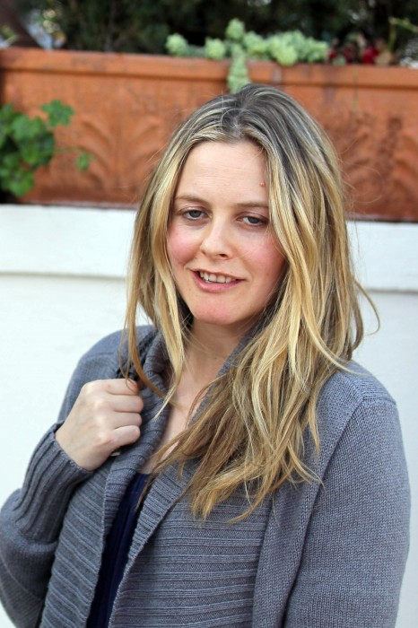 Alicia Silverstone Hairstyles Pictures, Long Hairstyle 2011, Hairstyle 2011, New Long Hairstyle 2011, Celebrity Long Hairstyles 2084
