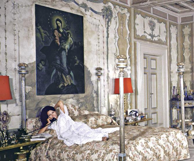 Gipsy diaries sophia loren and carlo ponti s italian for Sophia house