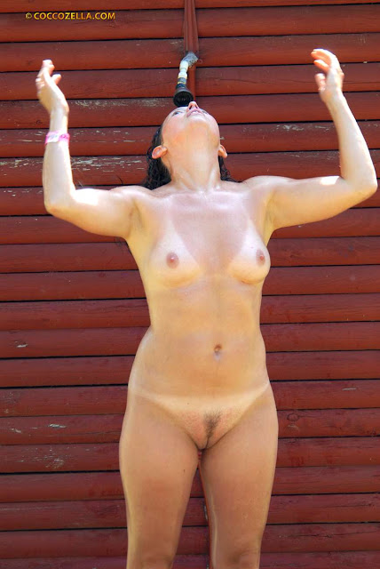 CMNF And Nudes -A- Poppin - 700 Pics - xHamstercom