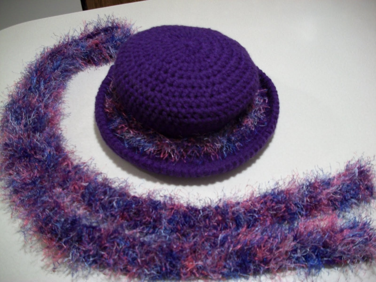 Crochet Patterns For Scarf And Hat : I love to Crochet: Crochet Hat,Scarfs & Wrap
