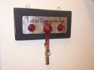 Diary of a Crafty Lady: Antique Key Holder