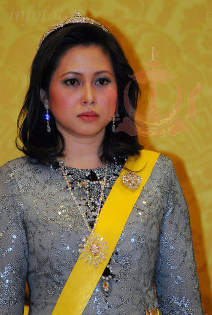 Datin Norjuma Kahwin Sultan Brunei | New Style for 2016-2017